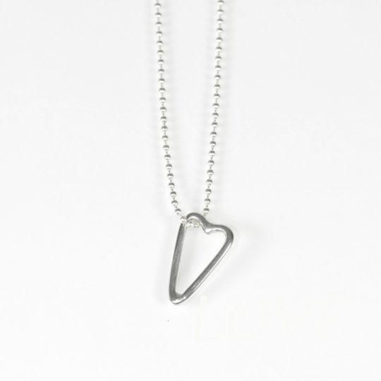 131 collier coeur trace white